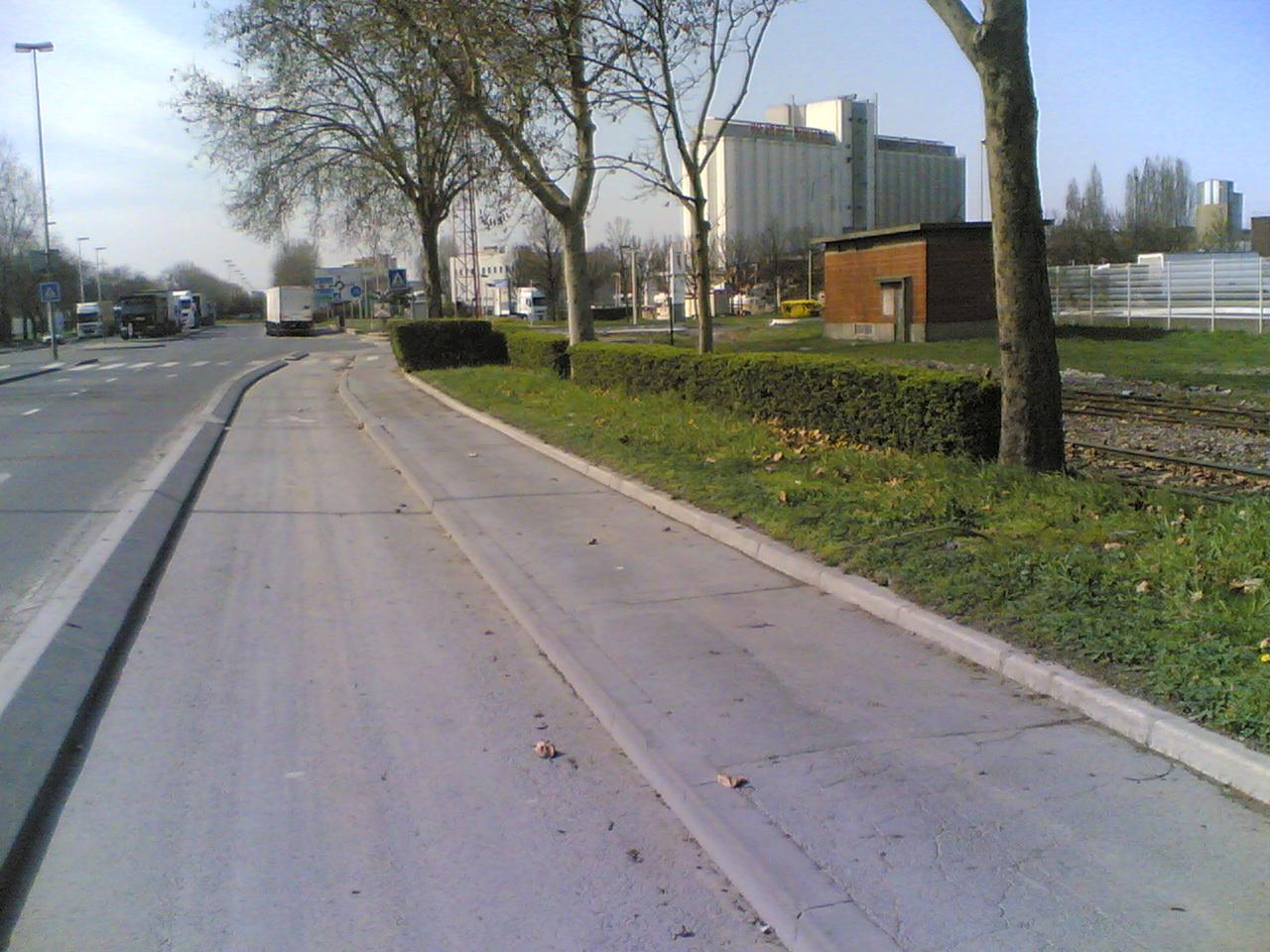 20032011008.jpg